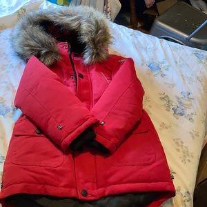 ⭐️NEW⭐️Winter coat with faux fur hood.
